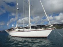Amel Super Maramu : At anchor